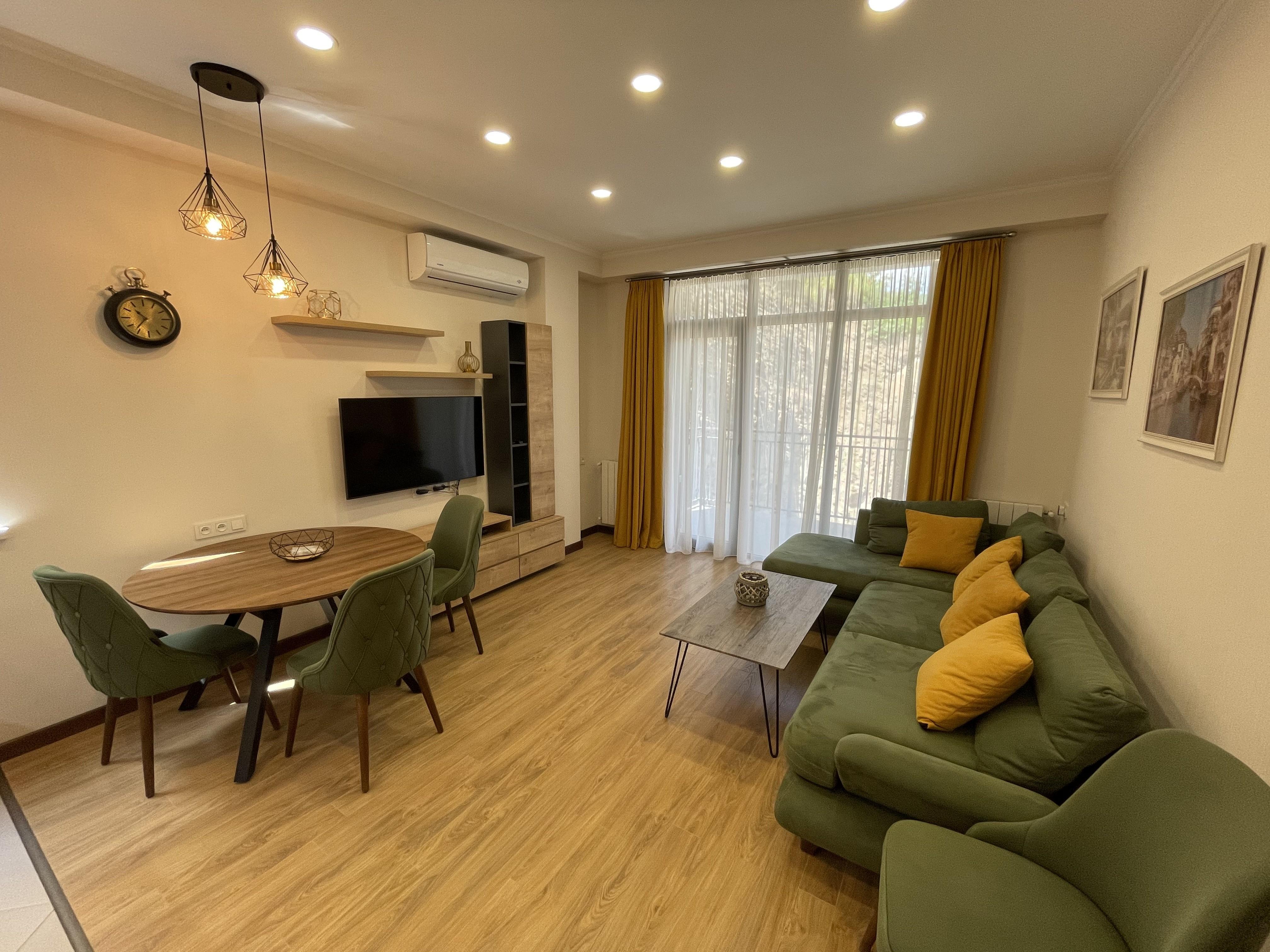 3-Room Apartment For Rent in Vake, on Marukhis Gmirebi Street